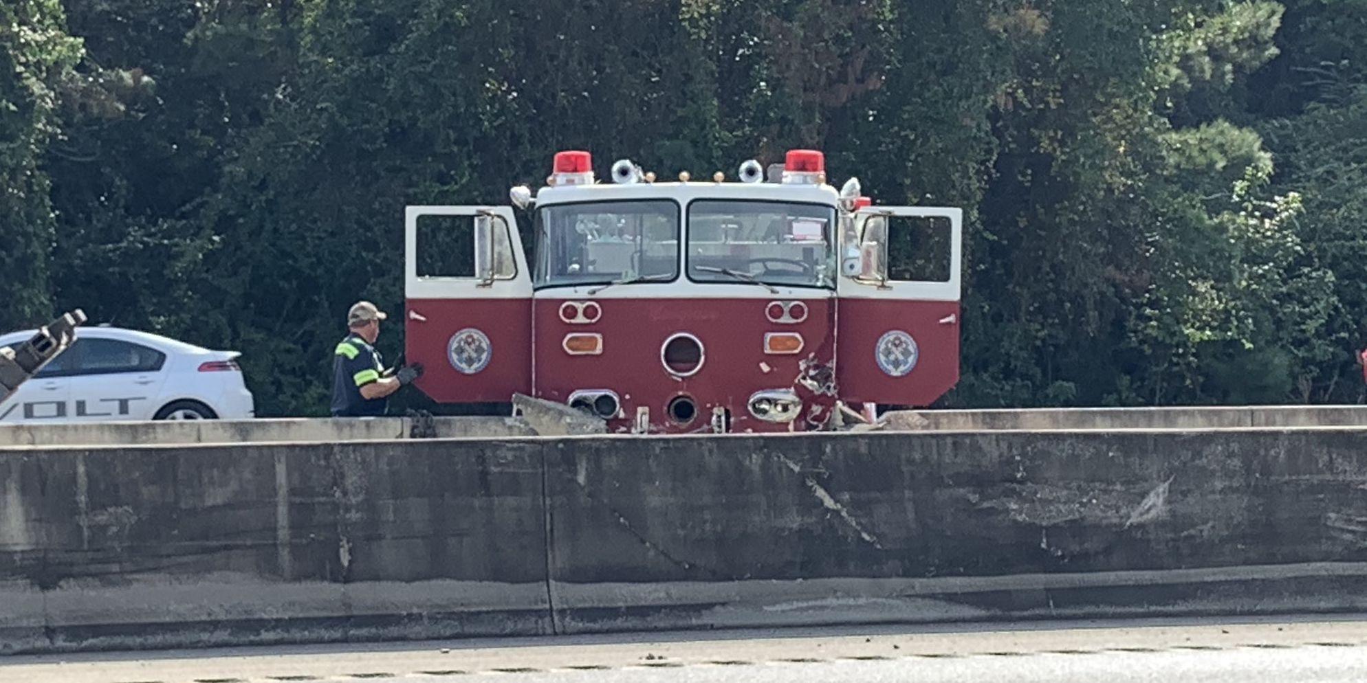 Vintage fire truck crashes into I-10 barrier