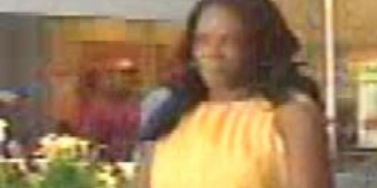 D'Iberville police need help identifying credit card fraud suspect