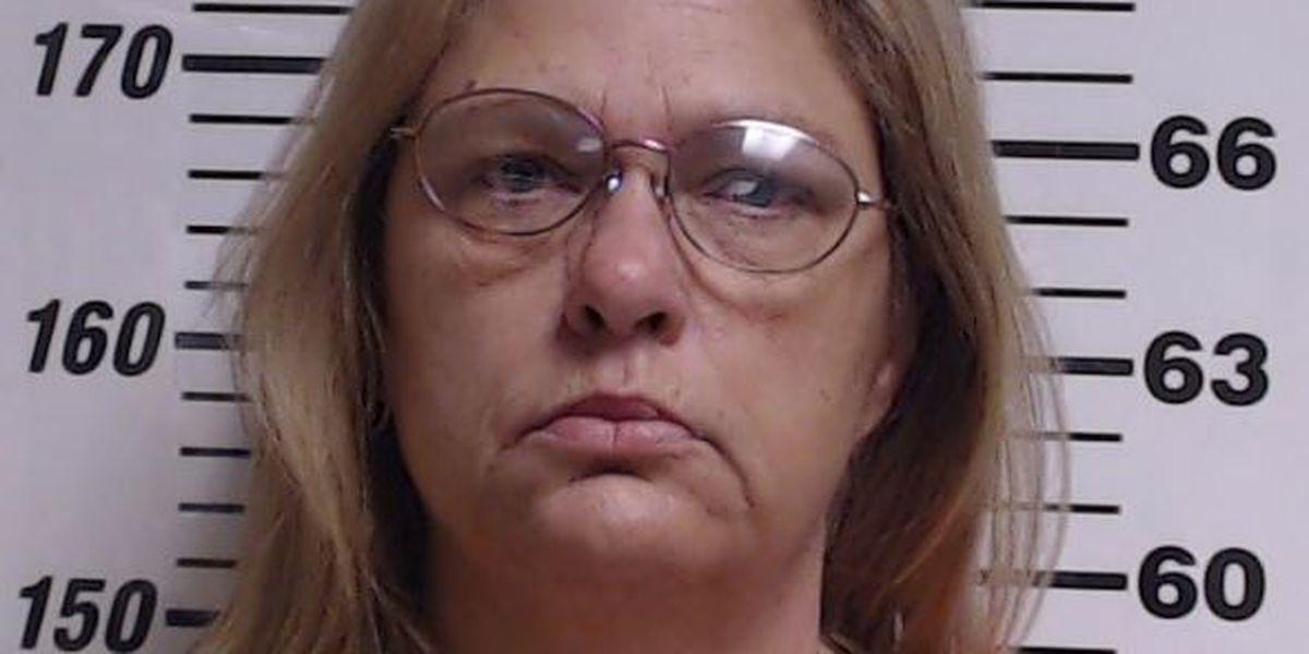 Gulfport police arrest woman for felony Credit Card Fraud