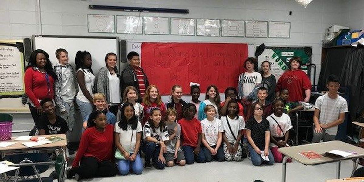 Orange Grove students send cards to soldiers overseas