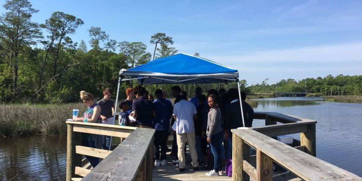 Students head to the great outdoors to learn