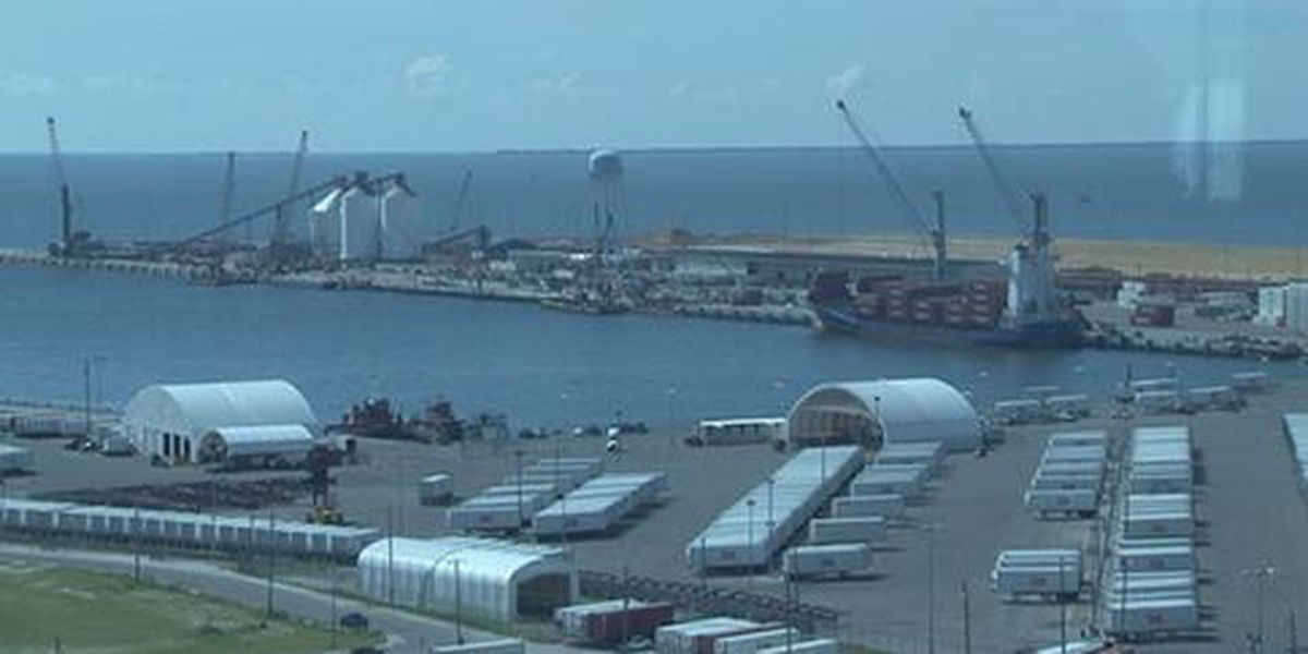 Chiquita's departure means less work hours at port