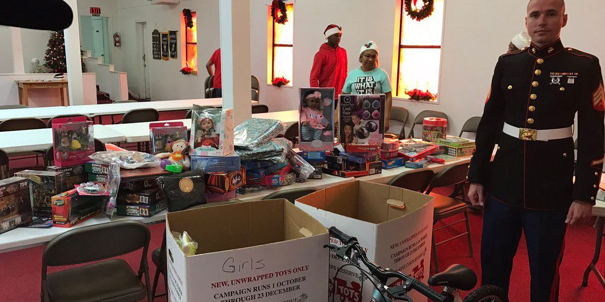 Local church gives out toys to children