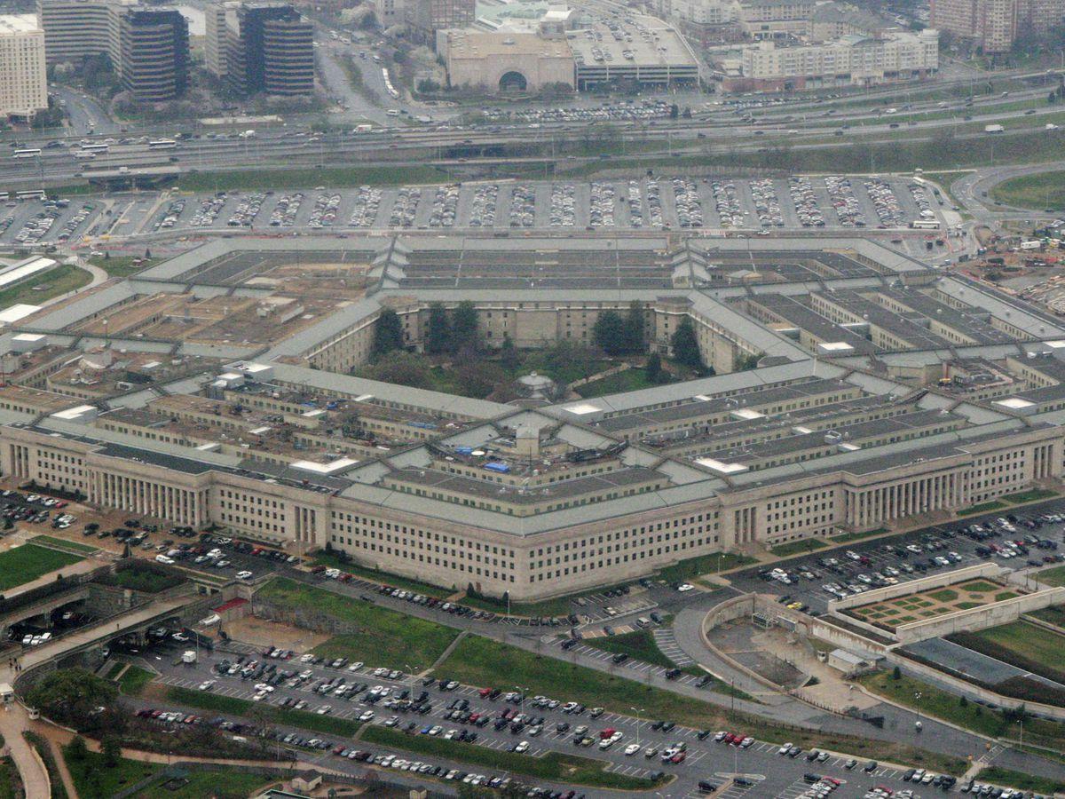 Pentagon installs 2 Trump allies on defense advisory board