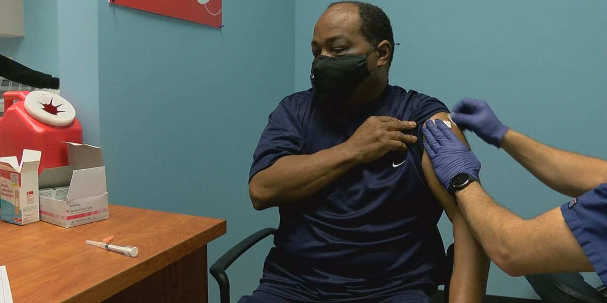 'Don't be scared to get vaccinated': African Americans still getting fewer COVID-19 vaccines than whites in Mississippi