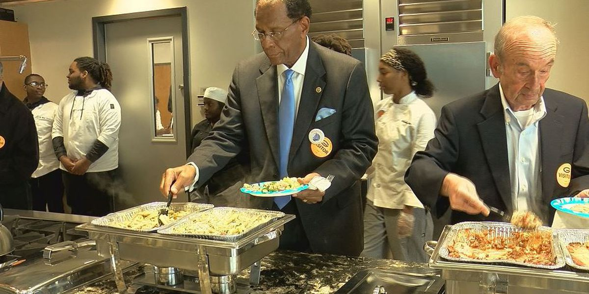 Gulfport High culinary students show off skills, new kitchen