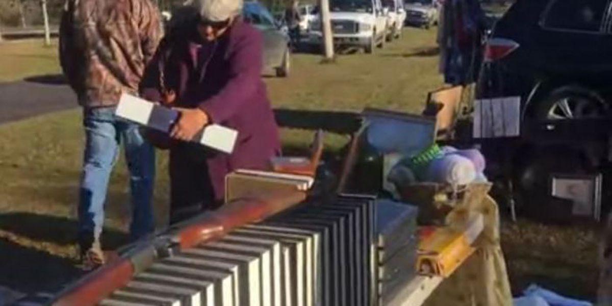 '7-mile' yard sale runs through Saturday in the Kiln