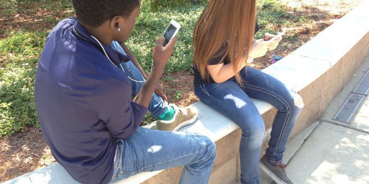 Biloxi School District lifts cell phone ban on two campuses