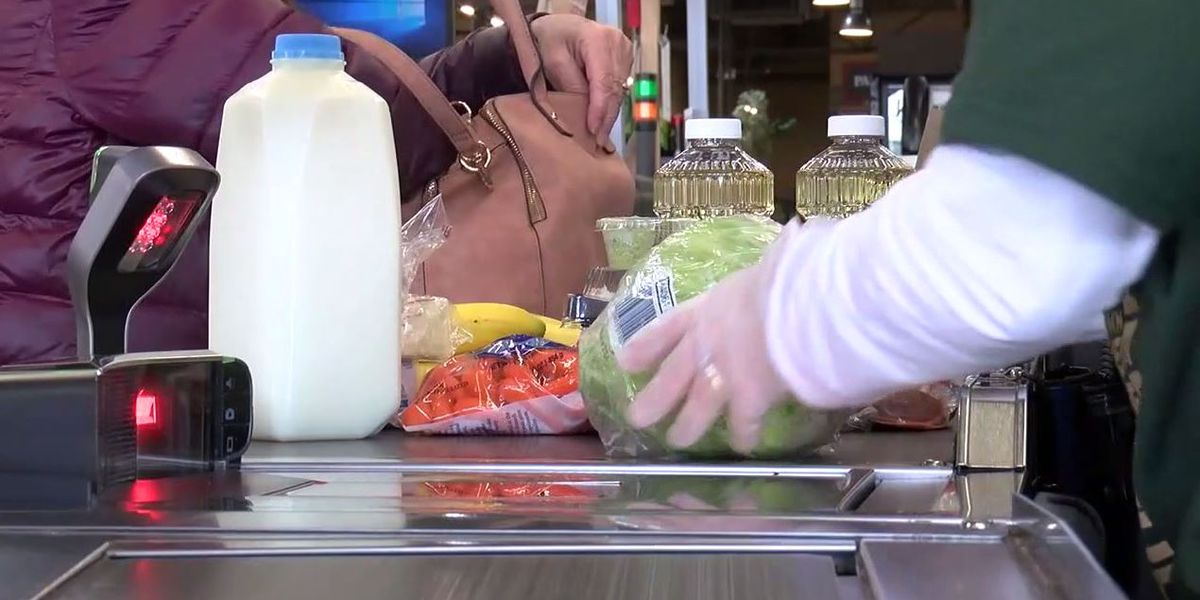 Doctor shares tips on how to safely unpack groceries, takeout without transferring coronavirus