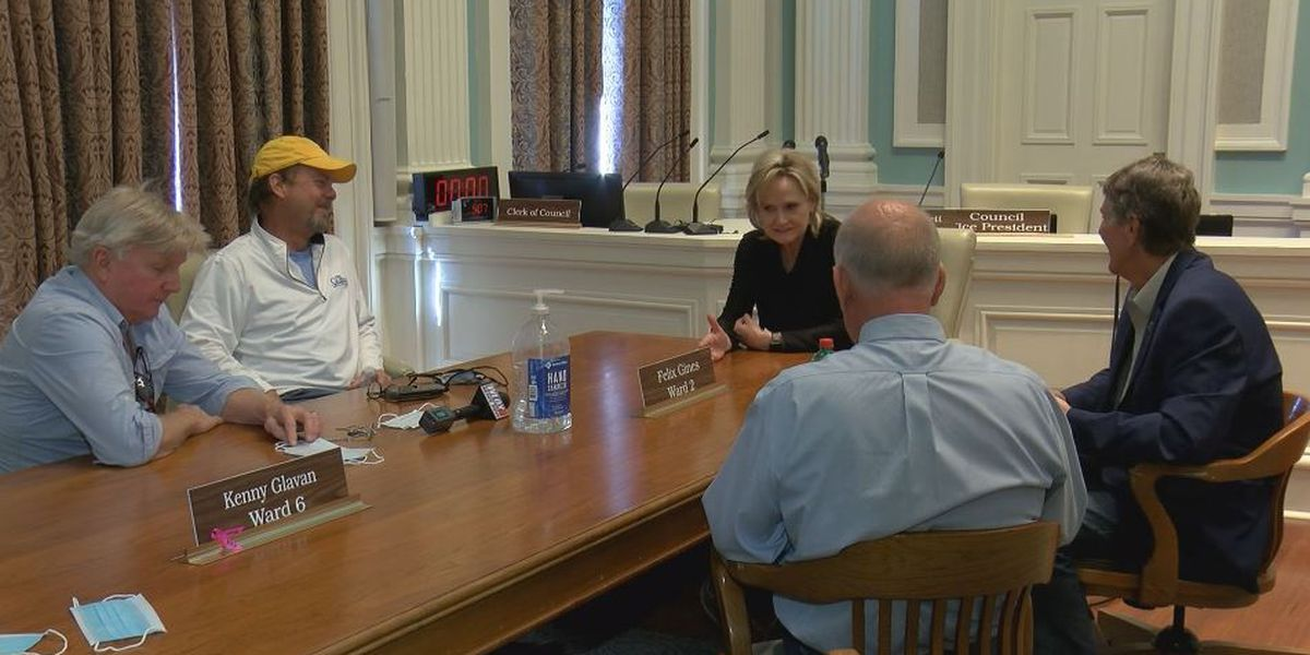 Hyde-Smith advocates cutting regulations to help rebuild after Zeta in meeting with mayors