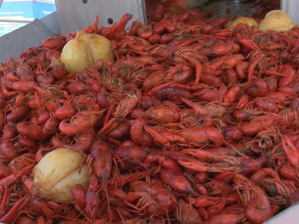 Crawfish boil raises scholarship money in honor of Lt. Michael Boutte