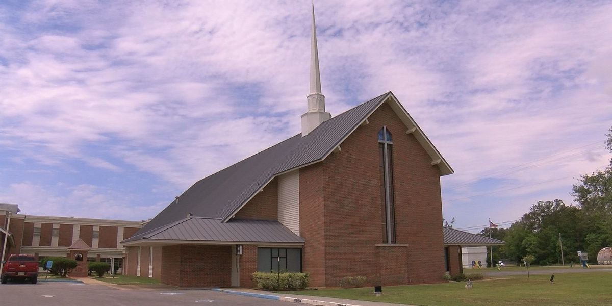 Gautier church prepares for large outdoor parking lot worship service