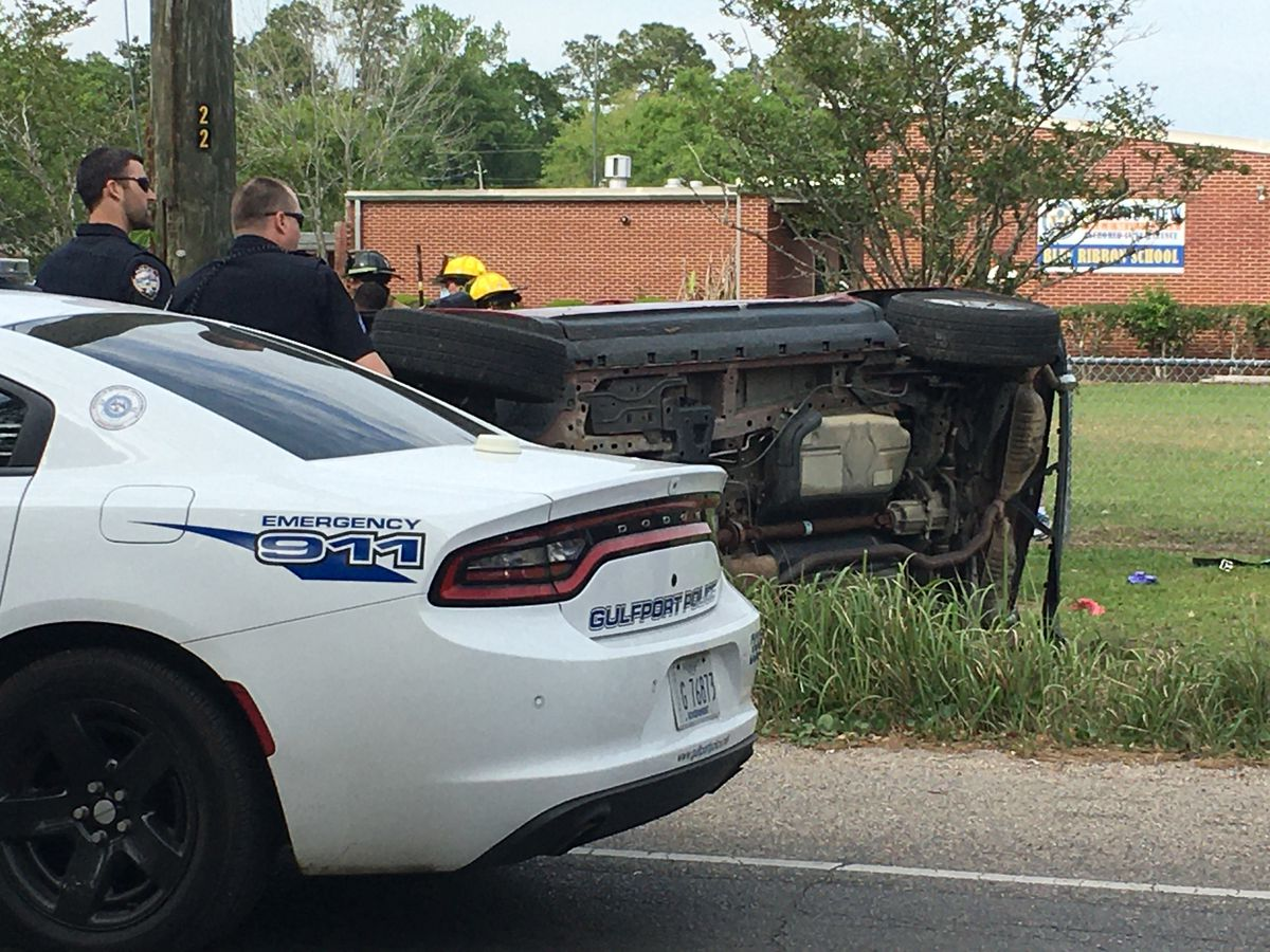 Police searching for suspect after responding to Gulfport rollover