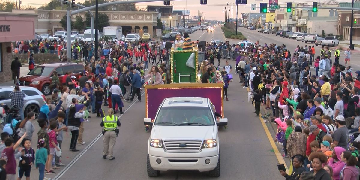 Krewe of Gemini Parade helps close out Coast Mardi Gras festivities