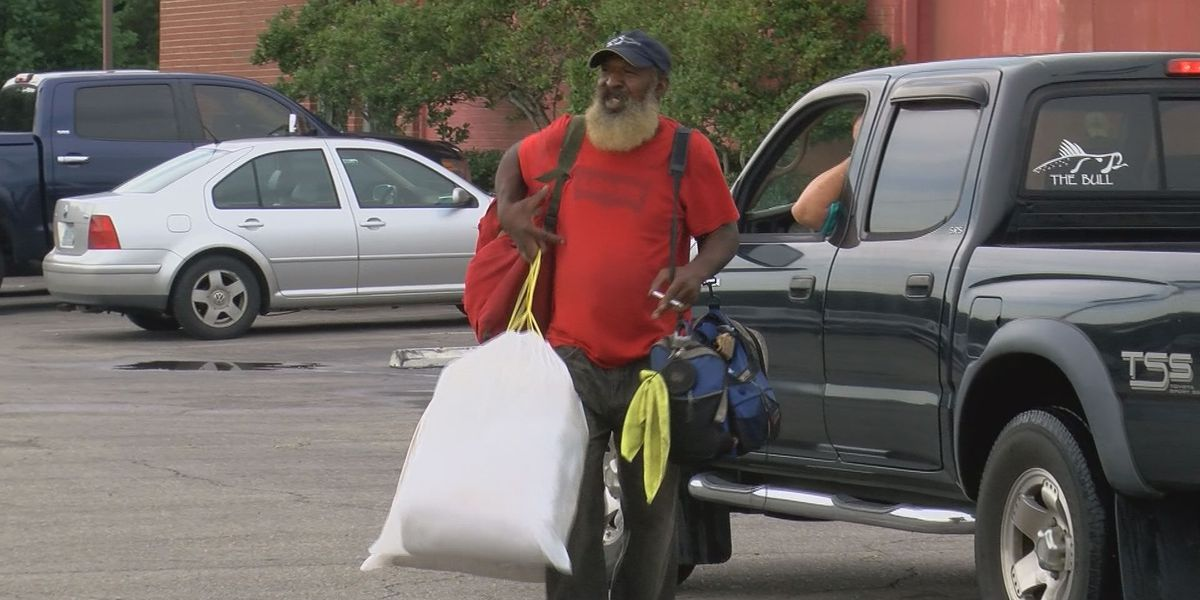 Acts of kindness pour in for Pascagoula homeless man
