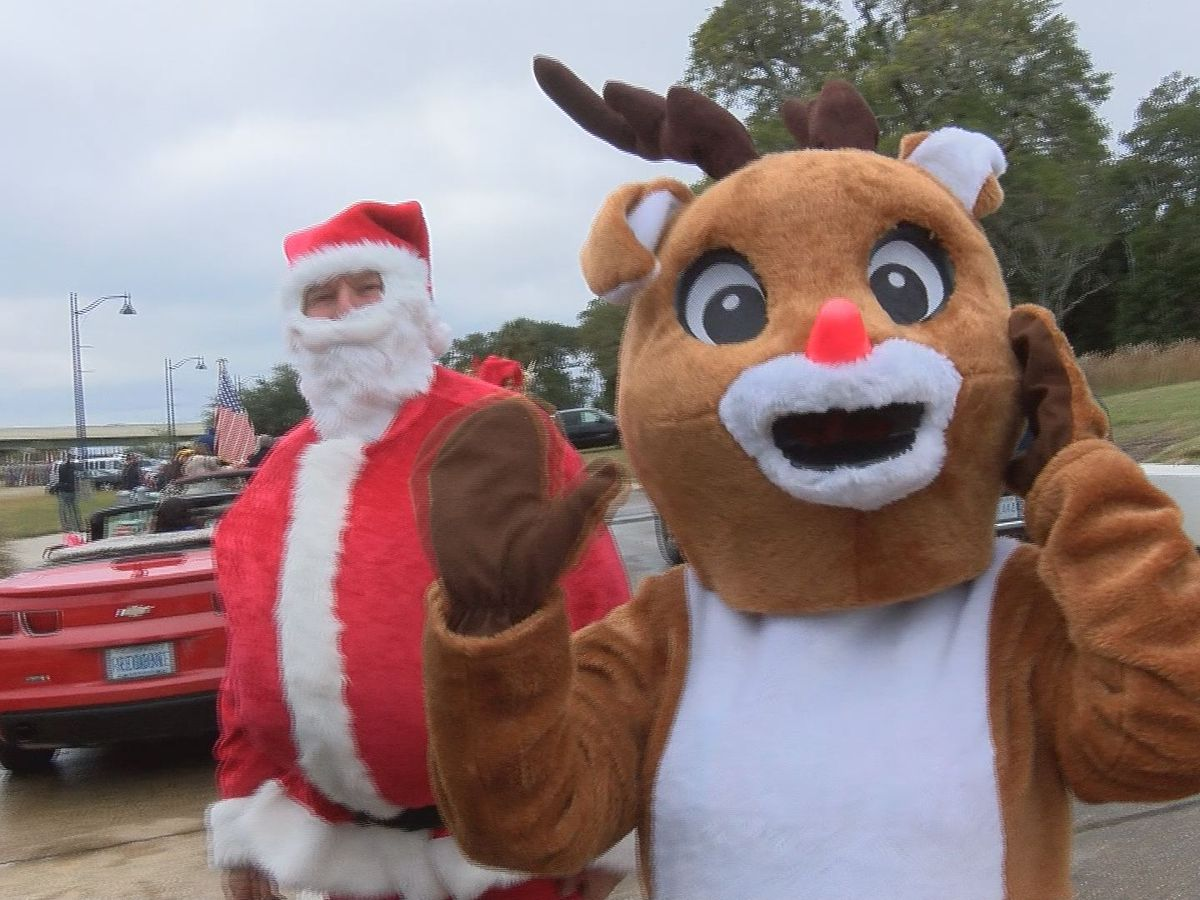 Inaugural Christmas Parade in Ocean Springs helps local charities