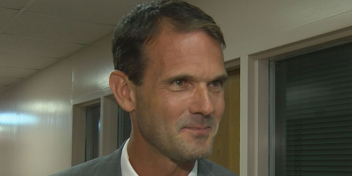 Jackson County School Board votes in new superintendent