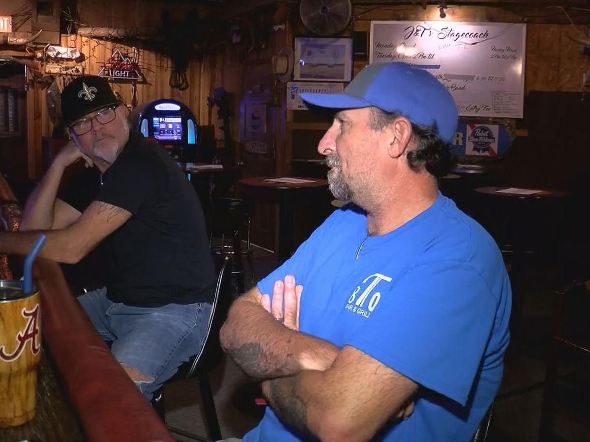 Some coast bar owners want late night restrictions eased