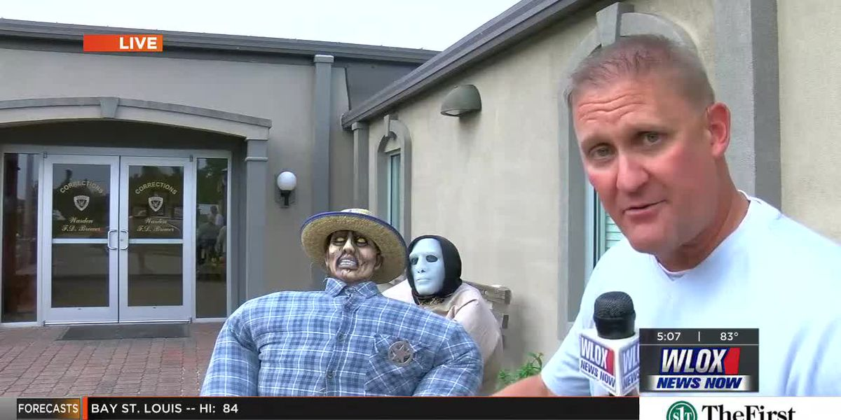 Bill Snyder reports from the Scarecrow Convention in Wiggins