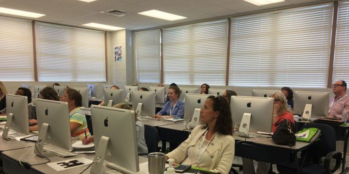 MS teachers learn how to use technology in the classroom