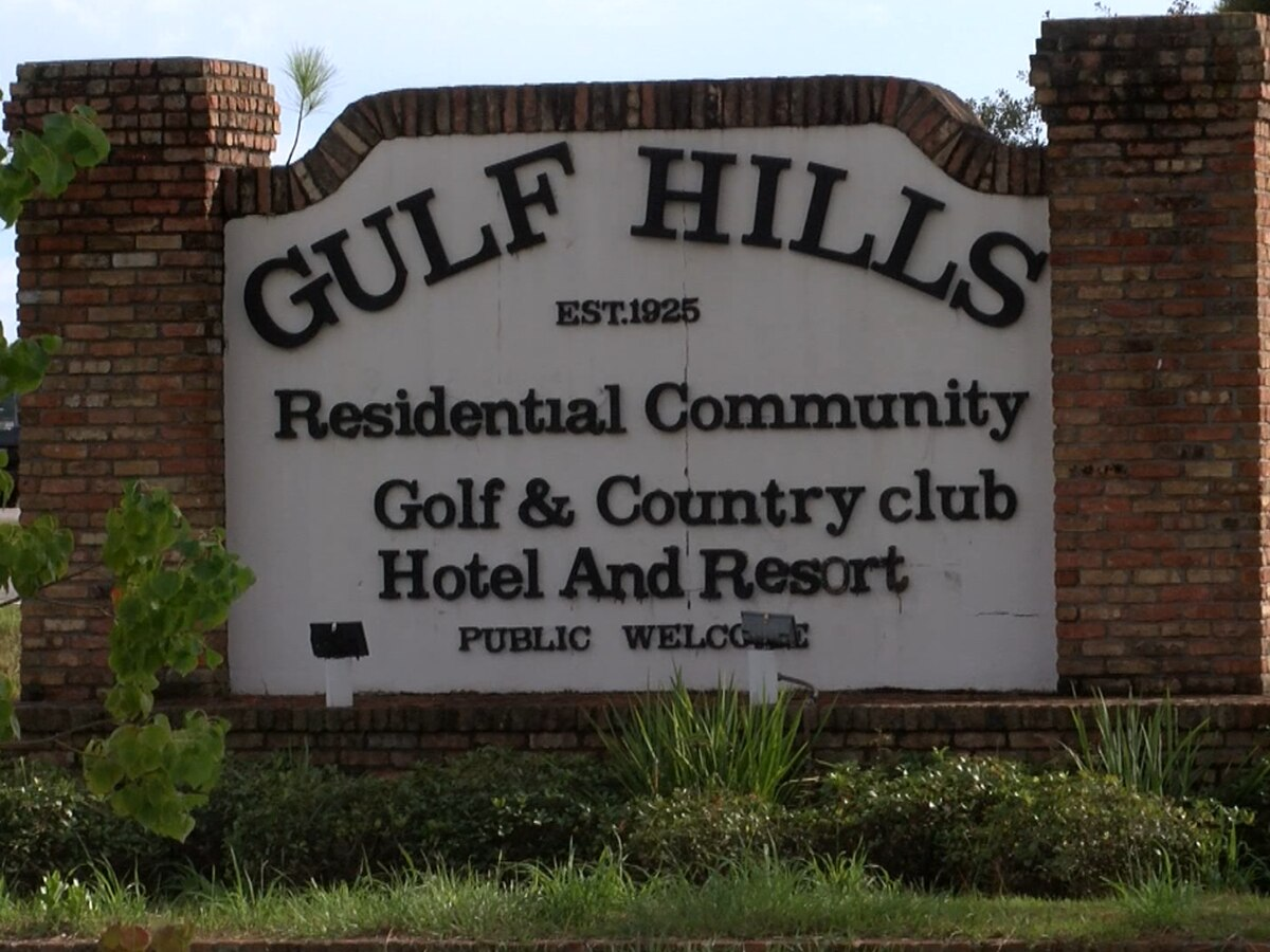 Gulf Hills Golf Club shareholders agree on final sale of course