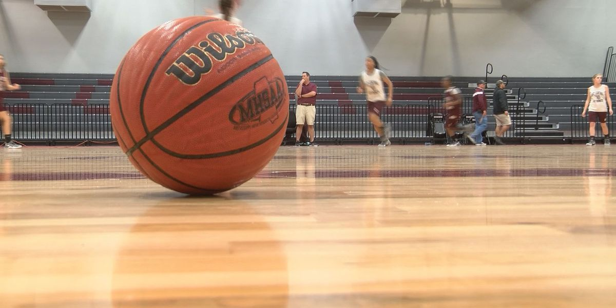 East Central Lady Hornets basketball team is young and talented