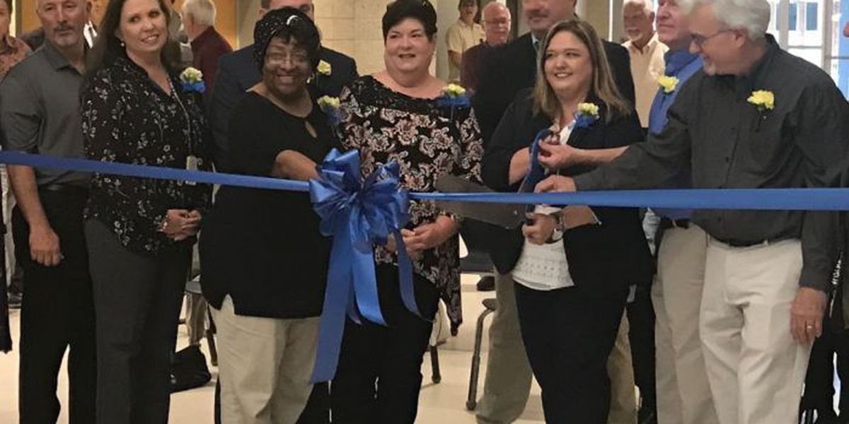 Bay-Waveland School District opens new administration building