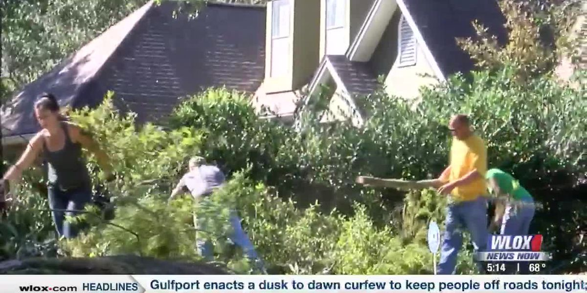 Edgewater Estates residents come together to clean up Hurricane Zeta's aftermath